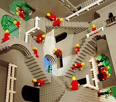 Lego_escher_3